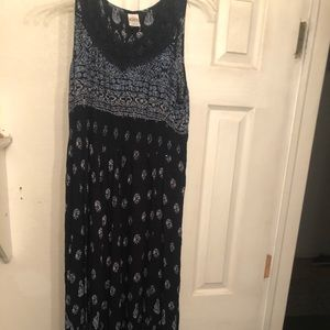Size large maxi blue print dress